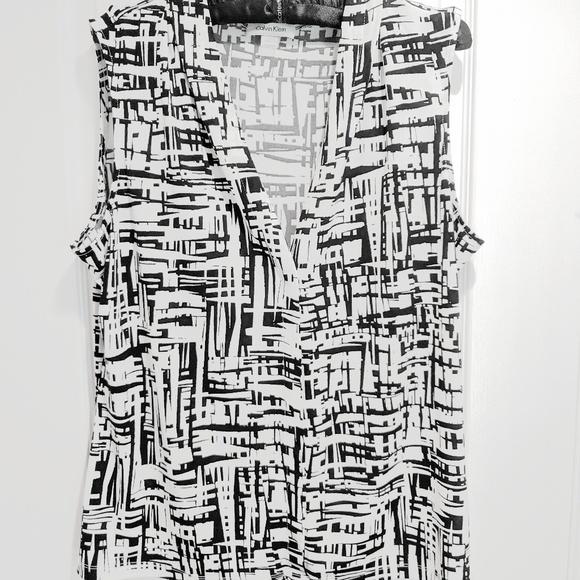 Calvin Klein Tops - Calvin Klein XL sleeveless black and white blouse